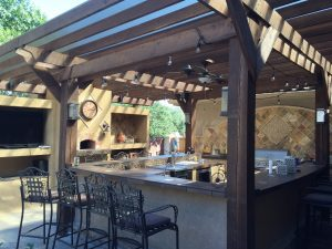 10 outdoor kitchen design tips